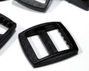 Verstellschnalle 1,6cm in Kunststoff schwarz